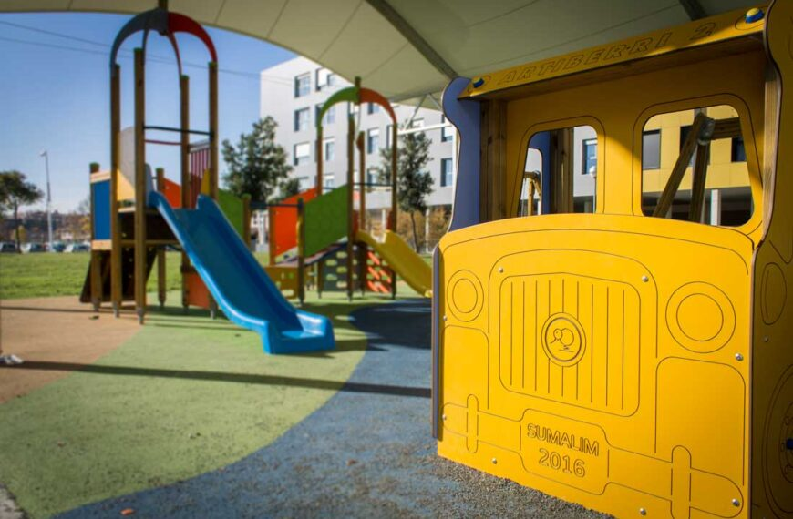 Parque Infantil <br>Berriozar 2016