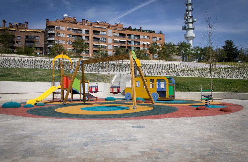 Parque infantil <br>Lezkairu (Pamplona) 2014